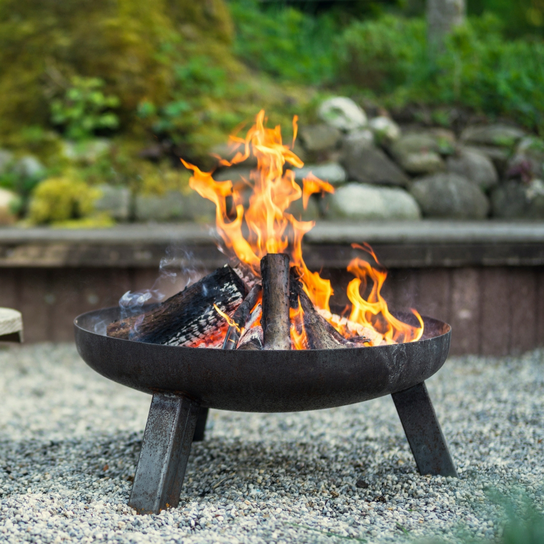 Fire Pit And Chiminea Q A Ashby Logs Kiln Dried Logs National Delivery